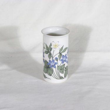 Arabia Botanica maljakko, Sini- ja valkovuokko, suunnittelija Esteri Tomula, Sini- ja valkovuokko