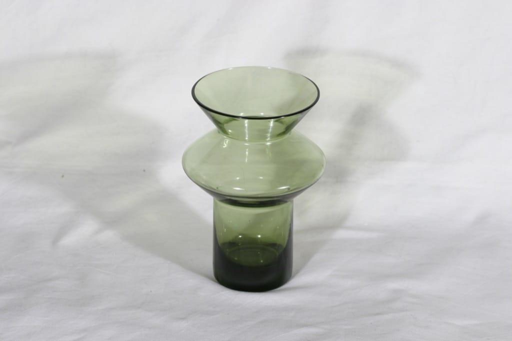 Riihimäen lasi Hyrrä maljakko, vihreä, suunnittelija Helena Tynell,