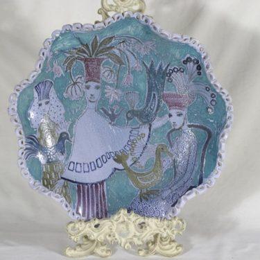Arabia koristelautanen, uniikki, suunnittelija Hilkka-Liisa Ahola, uniikki, käsinmuotoiltu, käsinmaalattu, signeerattu