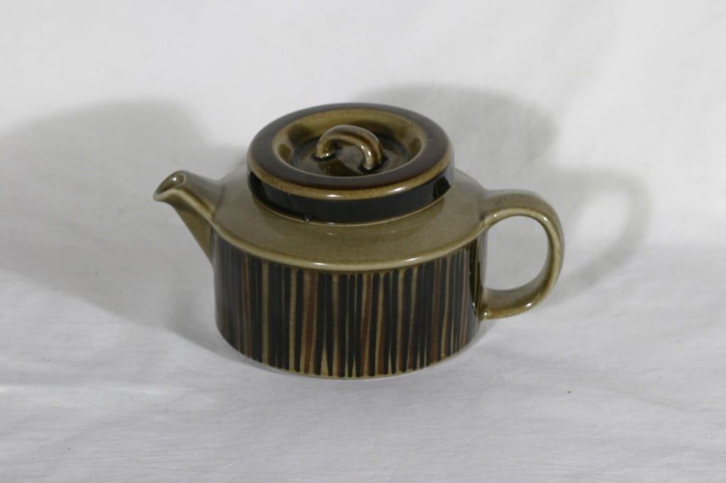 Arabia Kosmos teekannu, 1.33 l, suunnittelija Gunvor Olin-Grönqvist, 1.33 l, käsinmaalattu