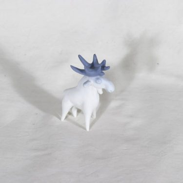 Arabia figuuri, hirvi, suunnittelija Anja Juurikkala, hirvi, käsinmaalattu