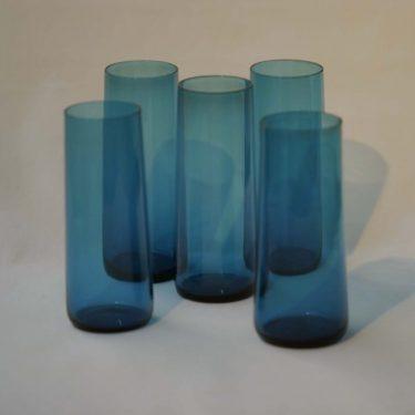 Riihimäen lasi Harlekiini mehulasi, sininen, suunnittelija Nanny Still,  kuva 2