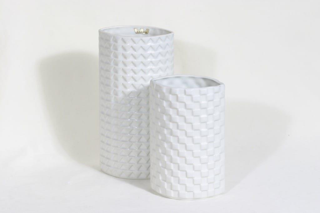 Arabia Harlekiini maljakot, valkoinen, 2 kpl, suunnittelija Kaarina Aho,