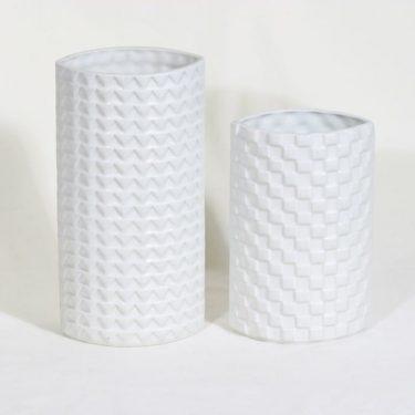 Arabia Harlekiini maljakot, valkoinen, 2 kpl, suunnittelija Kaarina Aho,  kuva 2