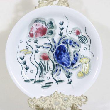 Arabia Crayfish lautanen, käsinmaalattu, suunnittelija Anja Juurikkala, käsinmaalattu