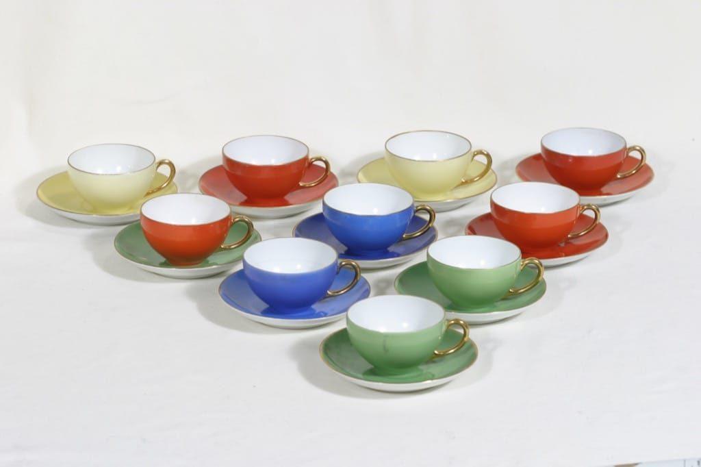 Arabia RV mokkakupit, eri värejä, 10 kpl, suunnittelija Reinhard Richter, koristelematon