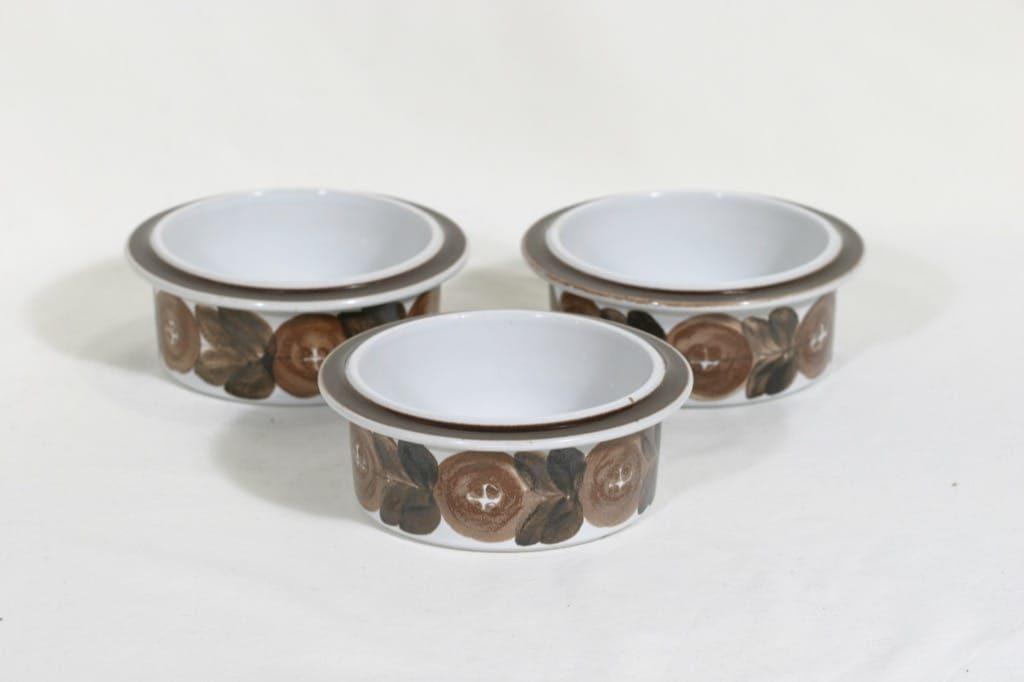 Arabia Rosmarin kulhot, käsinmaalattu, 3 kpl, suunnittelija Ulla Procope, käsinmaalattu, pieni, signeerattu