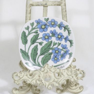 Arabia Botanica koristelautanen, Luhtalemmikki, suunnittelija Esteri Tomula, Luhtalemmikki, serikuva