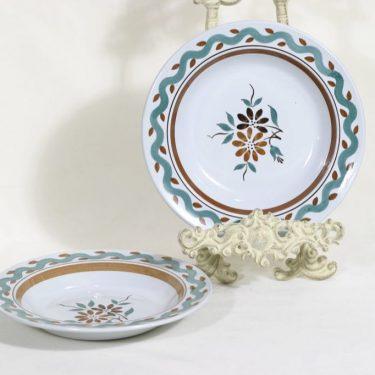 Arabia lautaset, syvä, 2 kpl, suunnittelija , syvä, käsinmaalattu, kukkakuvio