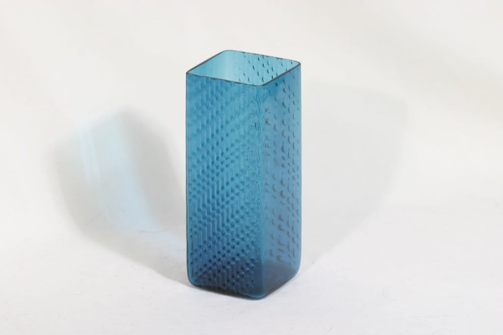 Riihimäen lasi Flindari maljakko, turkoosi, suunnittelija Nanny Still,