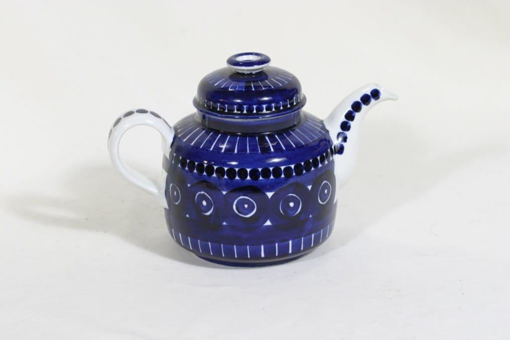 Arabia Valencia teekannu, käsinmaalattu, suunnittelija Ulla Procope, käsinmaalattu, signeerattu