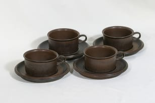 Arabia Ruska teekupit, ruskea, 4 kpl, suunnittelija Ulla Procope,