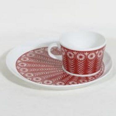 Arabia Riikinkukko kuppi ja lautanen, punainen, suunnittelija Raija Uosikkinen, siirtokuva