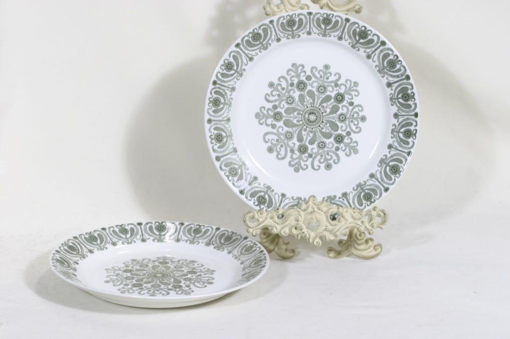 Arabia Sampo plates, shallow, 2 pcs, designer Raija Uosikkinen,