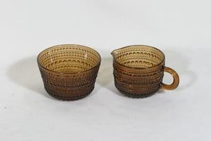 Nuutajärvi Kastehelmi sugar bowl and creamer, brown, designer Oiva Toikka