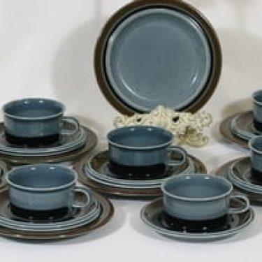 Arabia Meri teekupit ja lautaset, 7 kpl, suunnittelija Ulla Procope, raitakoriste