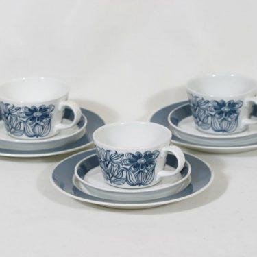 Arabia Keto kahvikupit ja lautaset, 3 kpl, suunnittelija Esteri Tomula, raitakoriste, serikuva