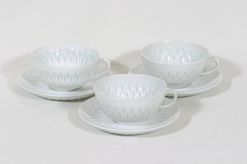Arabia FK/D teekupit, 25 cl, 3 kpl, suunnittelija Friedl Holzer-Kjellberg, 25 cl, riisiposliini, massasigneerattu