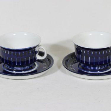 Arabia Valencia teekupit, 22.5 cl, 2 kpl, suunnittelija Ulla Procope, 22.5 cl, käsinmaalattu, signeerattu