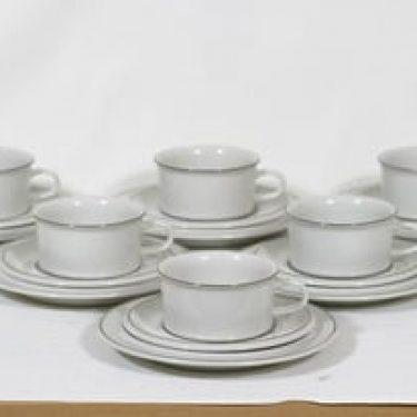 Arabia Fennica teekupit ja lautaset, 6 kpl, suunnittelija , viivakoriste