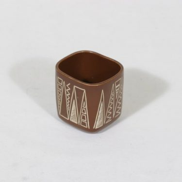 Arabia Tarina cigarette goblet, brown, designer Arabian taideteollisuusosasto, small, scratching ornaments