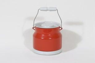 Finel tonkka, punainen, suunnittelija , muovikansi