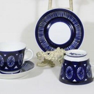 Arabia Fiesta kupit, 50 cl, 2 kpl, suunnittelija Ulla Procope, 50 cl, suuri, käsinmaalattu, signeerattu