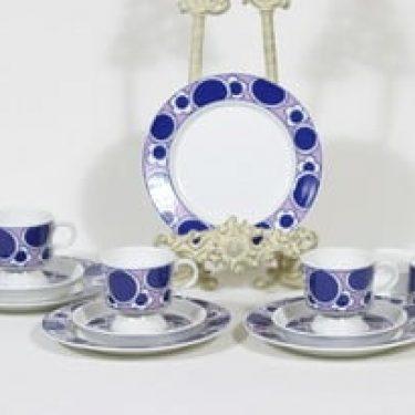 Arabia Pauliina kahvikupit ja lautaset, 4 kpl, suunnittelija Anja Jaatinen-Winquist, serikuva, retro