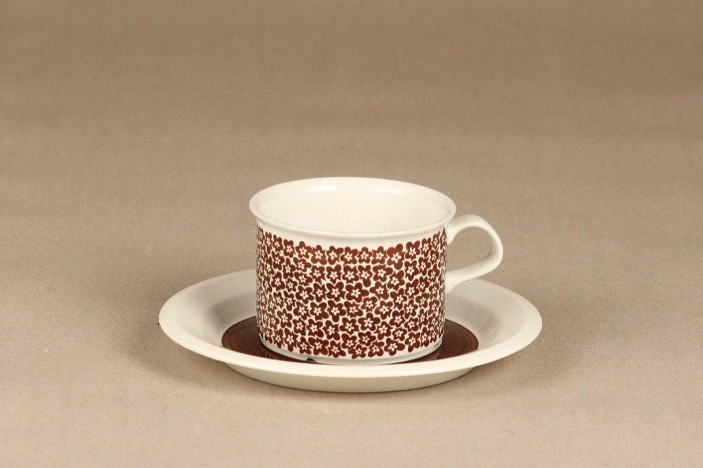 Arabia Faenza teekuppi, ruskea, suunnittelija Esteri Tomula, serikuva