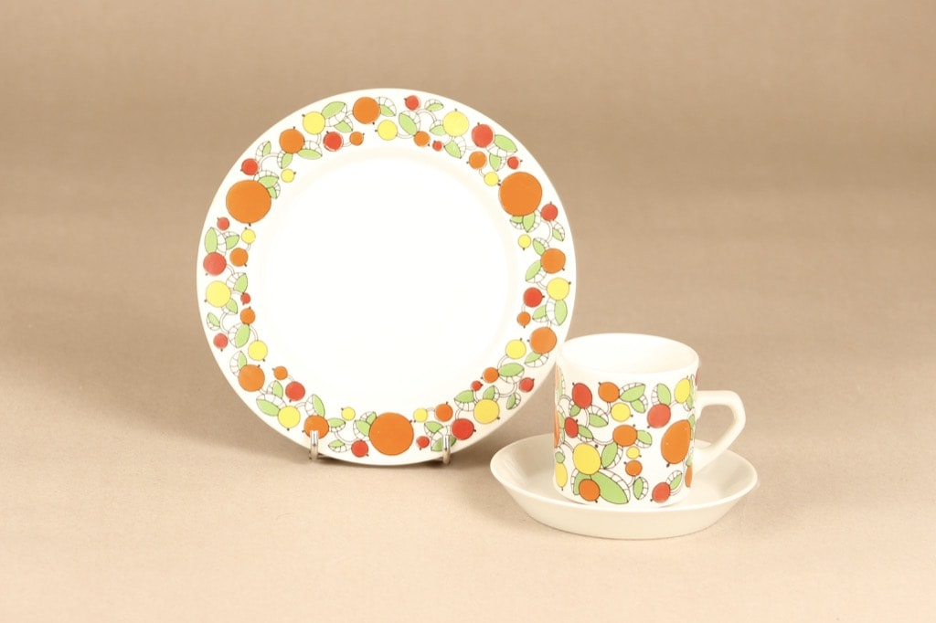 Arabia E kahvikuppi ja lautaset 2 kpl, monivärinen, suunnittelija , serikuva