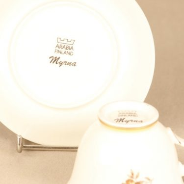 Arabia Myrna kahvikuppi, suunnittelija Olga Osol, siirtokuva, kukkakoriste kuva 2