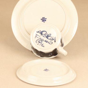Arabia Anemone teekuppi ja lautaset 2 kpl, sininen, suunnittelija Ulla Procope, käsinmaalattu kuva 2