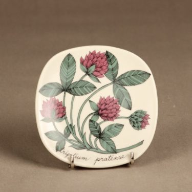 Arabia Botanica decorative plate, Puna-apila, designer Esteri Tomula, flower theme