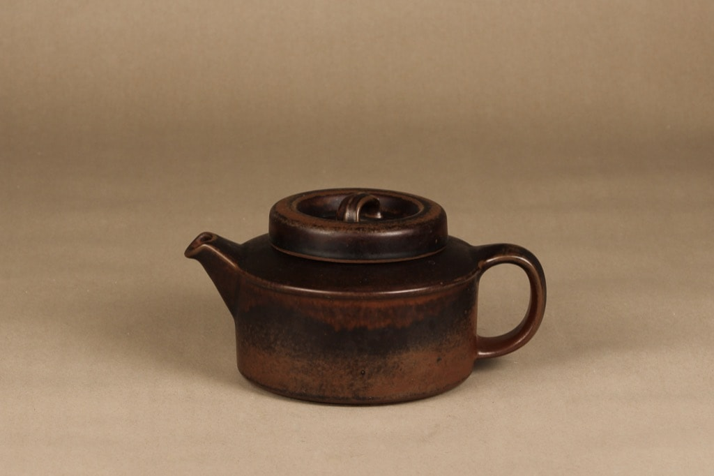 Arabia Ruska tea pot, 1,35 l, designer Ulla Procope, brown glazing