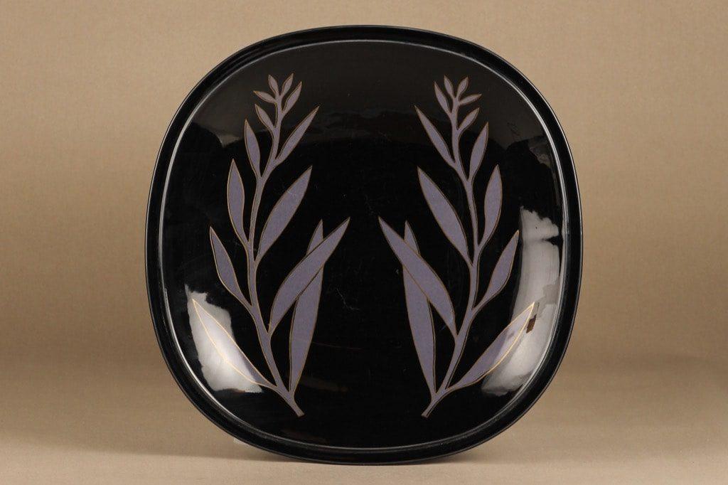 Arabia keramiikkavati, musta, suunnittelija Pauli Partanen,