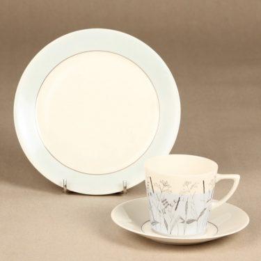 Arabia Kesä II kahvikuppi ja lautaset, vaaleansininen, suunnittelija Esteri Tomula, painokuva, maalattu