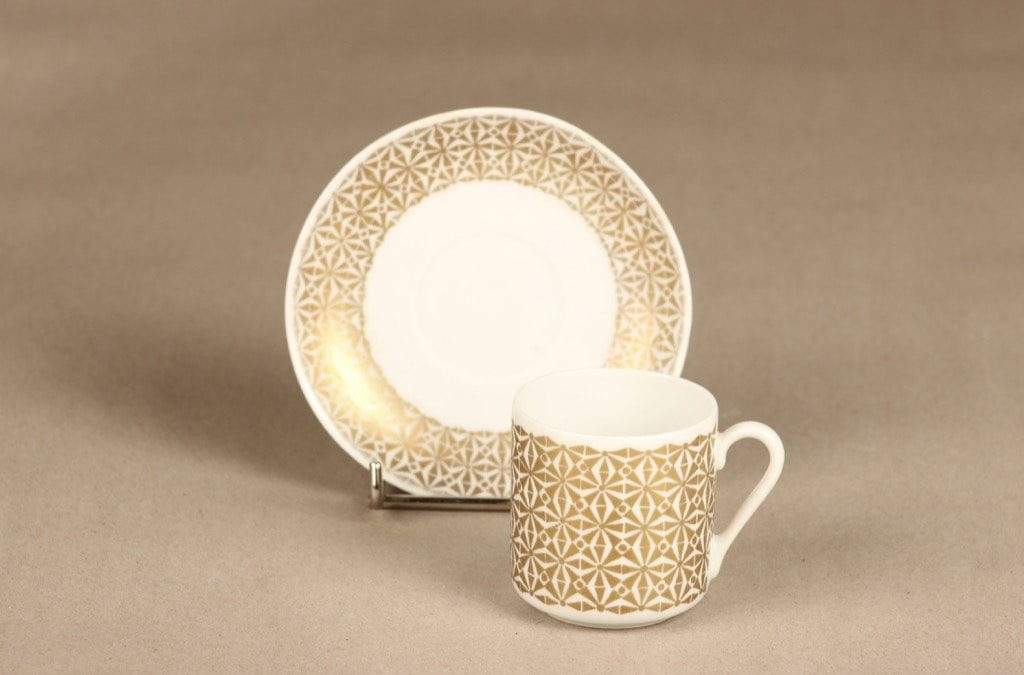 Arabia Haaremi kahvikuppi, kulta, suunnittelija Esteri Tomula, serikuva
