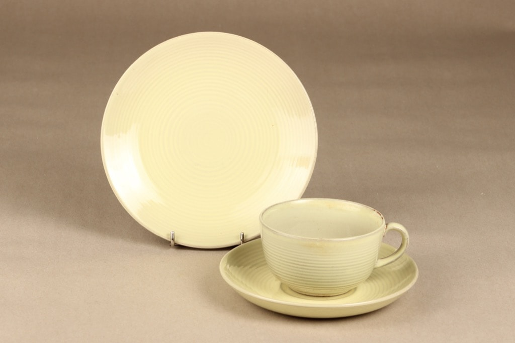 Arabia ARA teekuppi, suunnittelija Michael Schilkin,