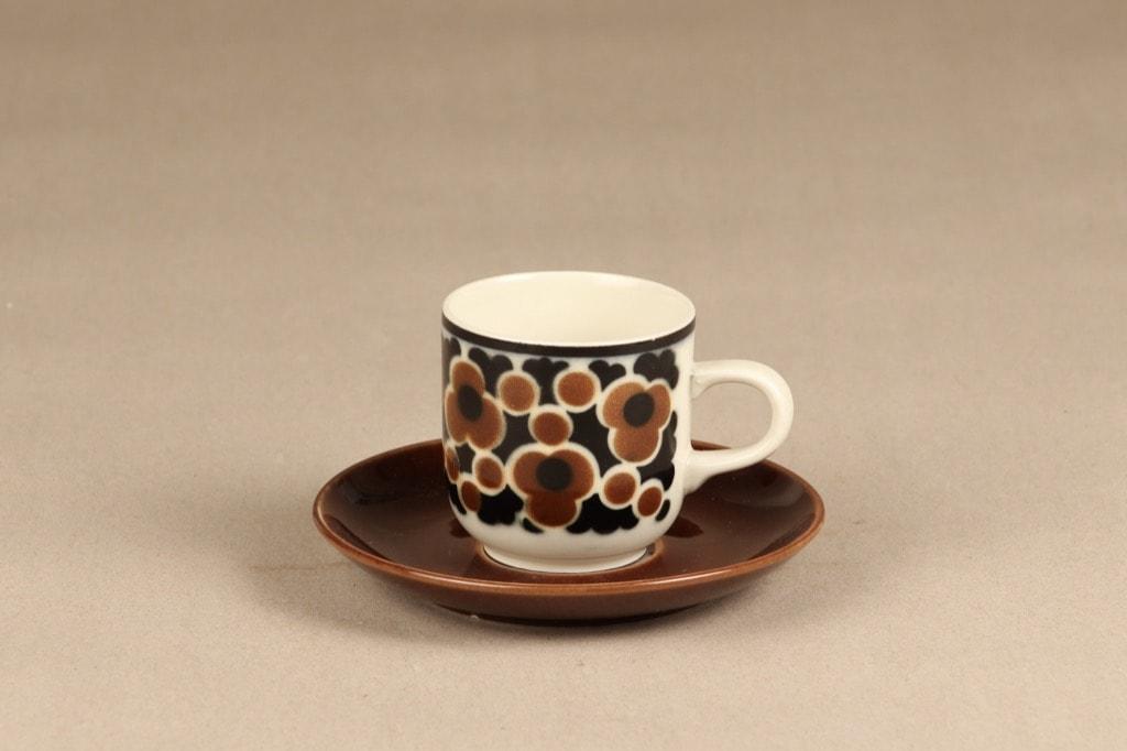 Arabia Kara coffee cup designer Anja Jaatinen-Winquist
