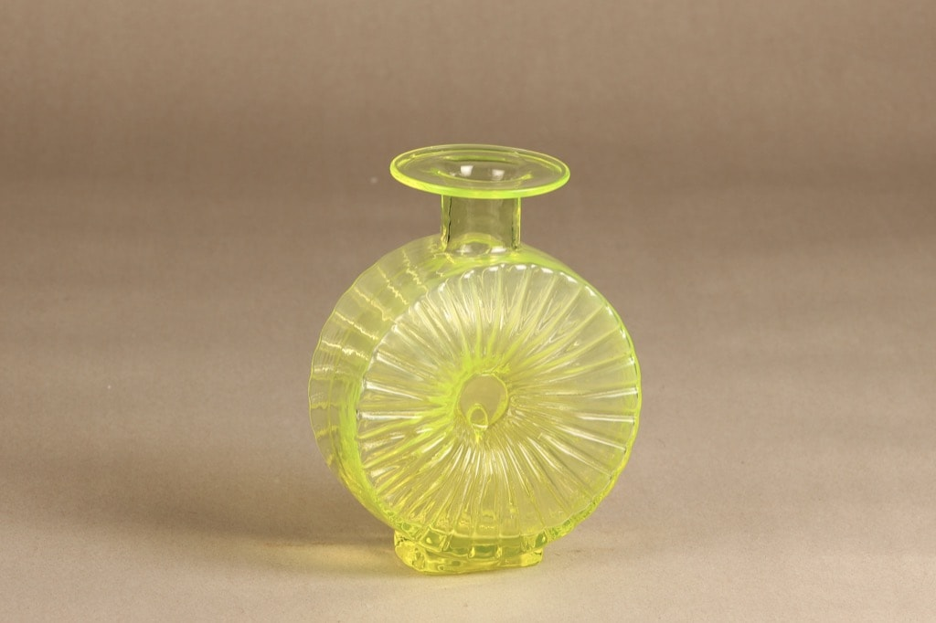 Riihimäen Lasi Aurinkopullo decorative bottle, 2/4, designer Helena Tynell