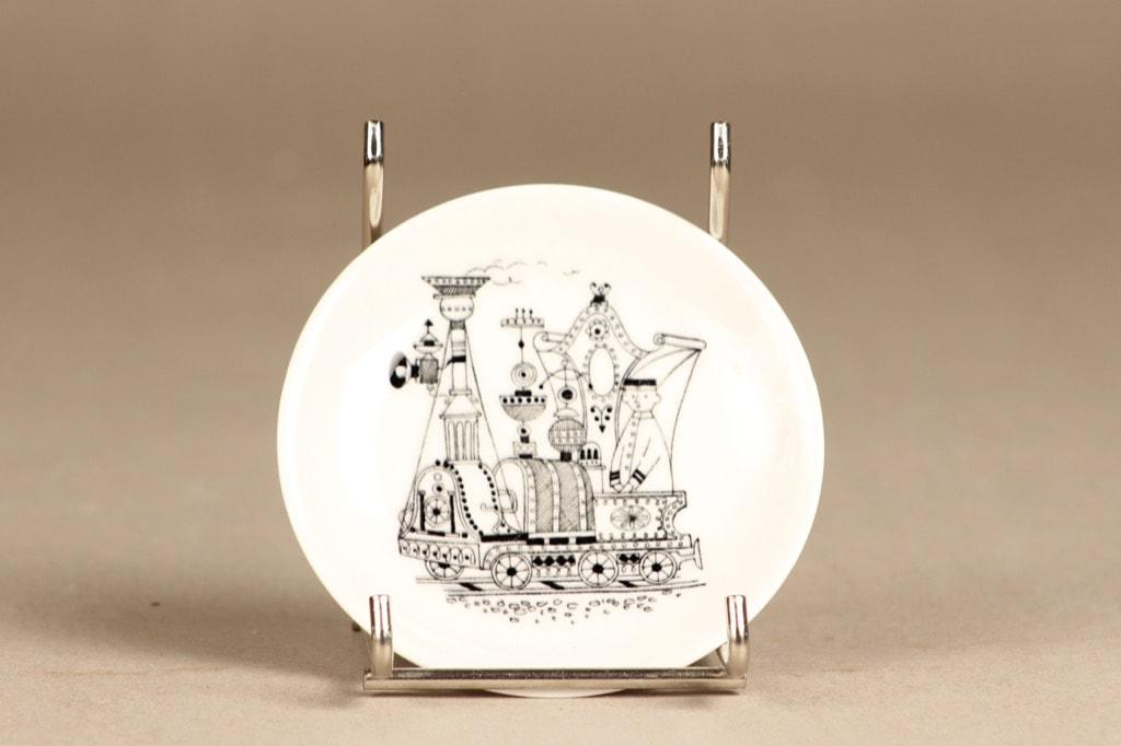 Arabia Harraste decorative plate, small, designer Raija Uosikkinen, copper ornament