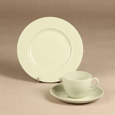 Arabia Sointu coffee cup, saucer and plate, green, Kaj Franck