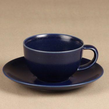 Arabia 24 h kahvikuppi ja lautaset, sininen, suunnittelija Heikki Orvola,  kuva 2