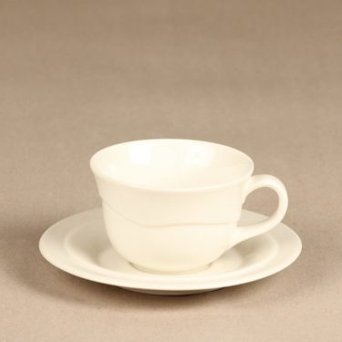 Arabia Tuuli kahvikuppi ja lautaset, valkoinen, suunnittelija Heljä Liukko-Sundström,  kuva 2