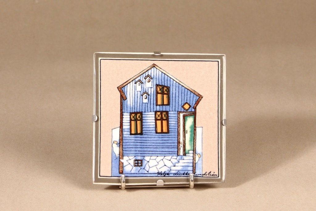 Arabia seinälaatta, Lintujen talo, suunnittelija Heljä Liukko-Sundström,
