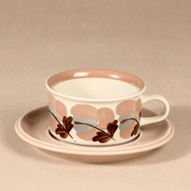 Arabia Koralli tea cup and saucer, hand-painted designer Raija Uosikkinen 1