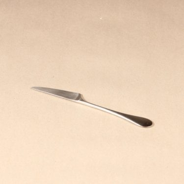 Hackman Mango dessert knife, silver color, designer Nanny Still