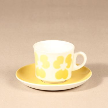 Arabia BR coffee cup, blown decoration