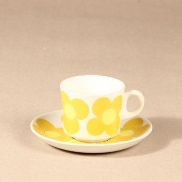 Arabia Aurinko kahvikuppi, keltainen, suunnittelija Esteri Tomula, serikuva