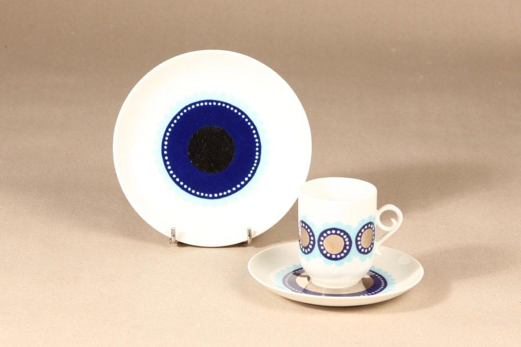 Arabia Tanja kahvikuppi ja lautaset, sininen, 3 kpl, suunnittelija Esteri Tomula, serikuva